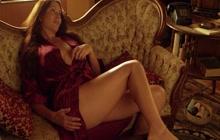 Sexy Kari Wuhrer in lingerie